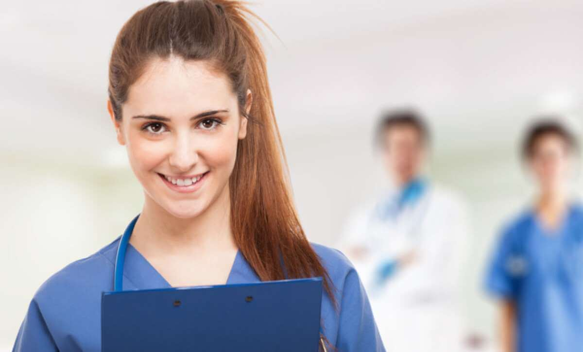 Beyond the Bedside: 5 Benefits of an Accelerated BSN Program